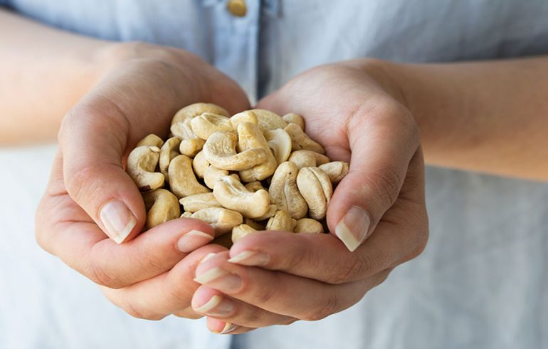 A Handful of Cashews is Good for Your Health