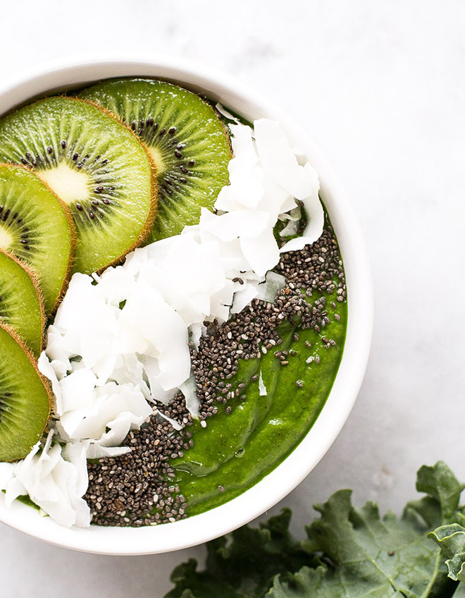 Low-Sugar-Super-Green-Smoothie-Bowl