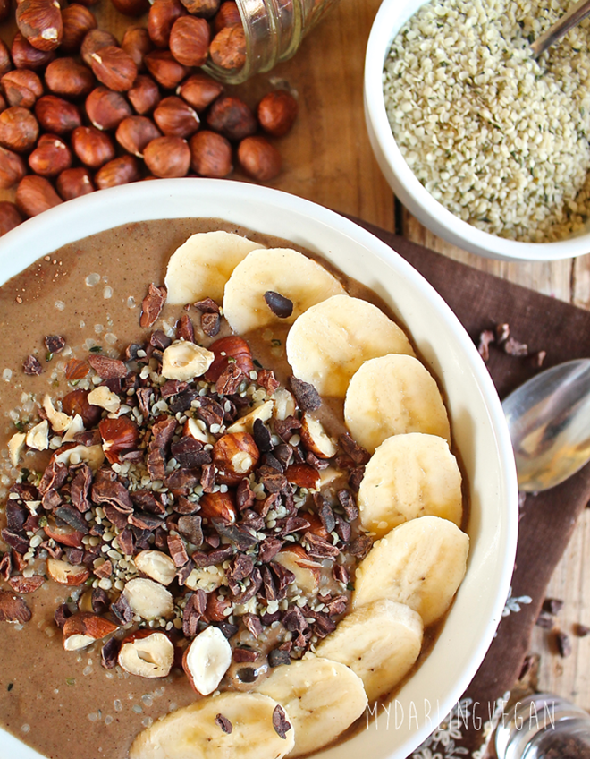 Chocolate-Hazelnut-Hemp-Smoothie-Bowl
