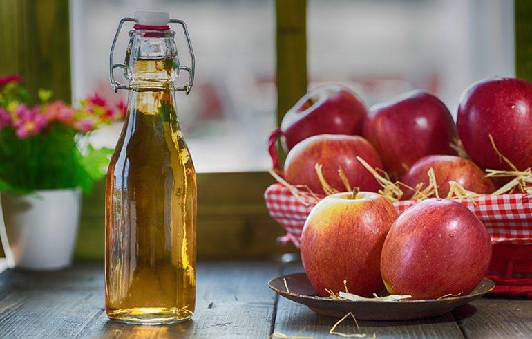 Little Science Backs Up the Benefits of Apple Cider Vinegar