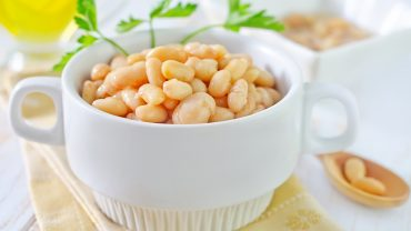 7 Reasons to Put on a Pot of Navy Beans